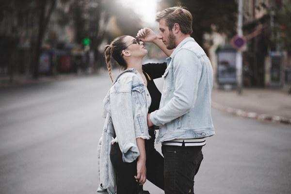 第一次和女生约会聊天聊什么话题?学会这5种话题保你不冷场