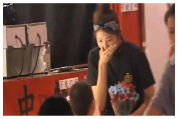 徐锦江儿子意外出镜韩国综艺走红,这些追女生小技巧表现太完美