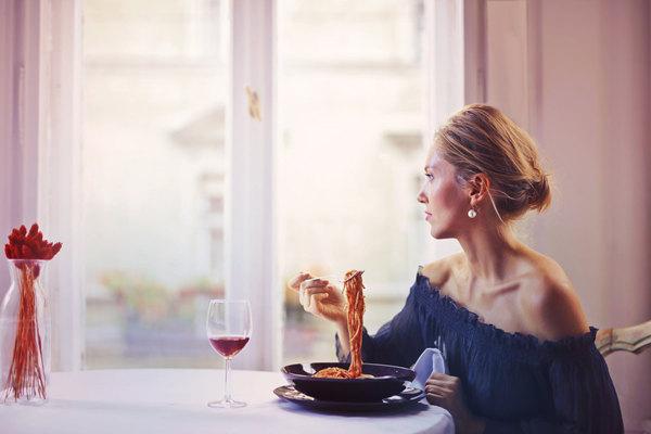 第一次邀请女生吃饭,该怎么说?