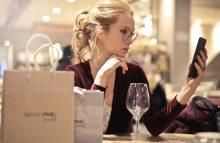 晚上跟女生在微信上聊什么好?学会这6招女生做梦都会想着你!