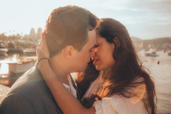 男女聊天什么程度算暧昧?教你如何主导恋爱关系