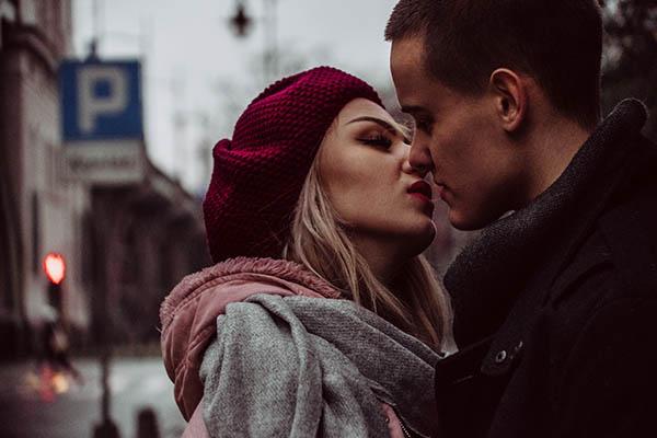 女人陷入热恋的感觉